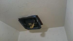 施工前 換気扇