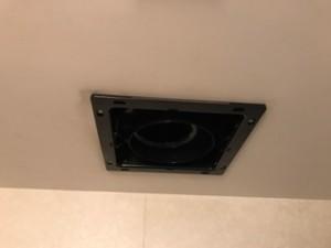 工事前 浴室換気扇