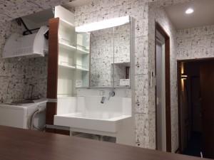 施工後 洗濯機上収納棚設置・洗面室(以前浴室)