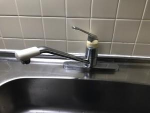 施工前 キッチン水栓金具