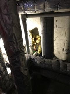 施工前 パイプシャフト内浴室への給湯管漏水