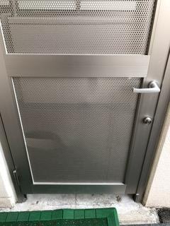施工前 扉へこみ有り