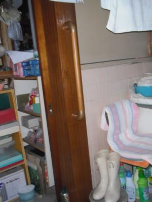 施工後 浴室入口手すり取付