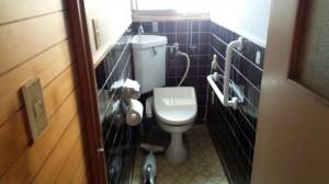 トイレ手すり施工後