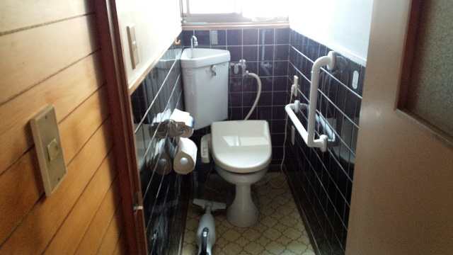 トイレ手摺施工後