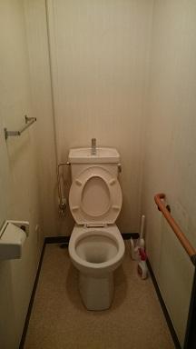 施工前 トイレ内壁クロス