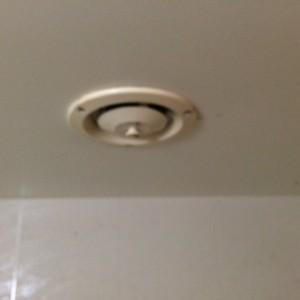 施工前 浴室換気扇