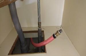 施工中 新規給湯管繋ぎ取付