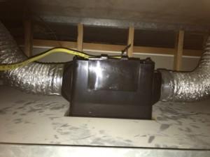 施工中 換気扇設置