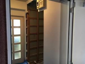 リフォーム施工中 ドア取外し壁面解体