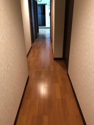 施工後 廊下フローリング