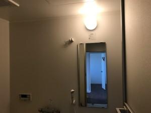 施工完了  浴室内照明器具・鏡交換