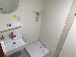 施工完了 脱衣室 洗面台交換、壁クロス・床クッションフロア貼替