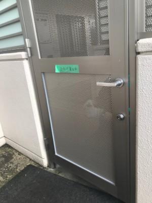 施工前 扉へこみ