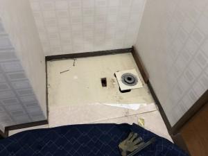 壁紙・洗濯機パン交換 施工前